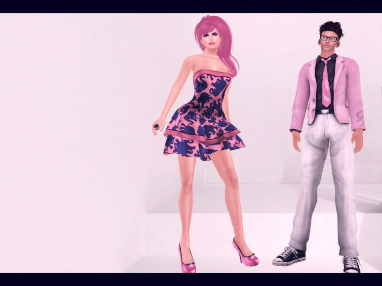 ellie dress grafica poses